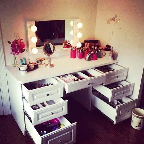 beauty corner masa machiaj vanity table