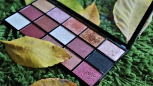 Paleta de farduri Makeup Revolution Reloaded
